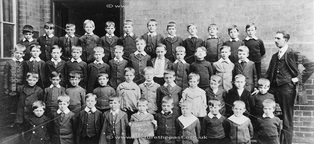 Class of Standard 2A, Chaucer Street School, Lower Chapel Street, Ilkeston, 1914
