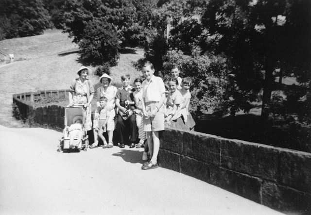 Holy Trinity Church Jnr Club Outing to Hadden Hall, Matlock Bath, 1959
