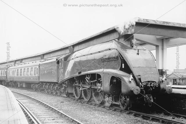 Steam loco Sir Nigel Gresley, Midland Railway Station, Railway Terrace, Derby, 1988