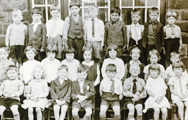 Group School Photo, Chinley School, Buxton Road, Chinley, 1928