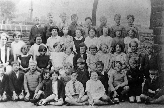 Class 1 and 2, Chinley School, Buxton Road, Chinley, 1929