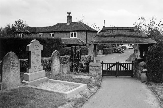 Lychgate St Giles' Parish Church and Holly Cottage, Pearl Bank, Marston Montgomery, 2003