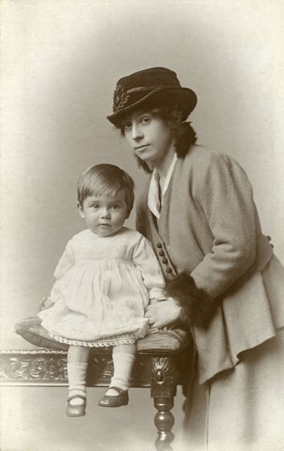 Wilson Family Portrait, Matlock, c 1910s-1920s