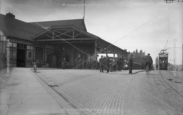 Railway station frontage, Burton upon Trent, Staffordshire, c 1911 ?