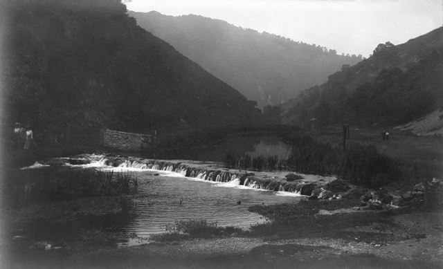 Weir, Dovedale, c 1914 ?