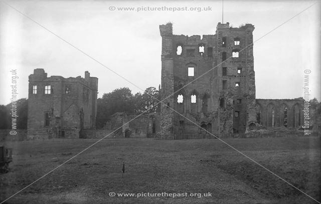 Castle ruins, Ashby de la Zouch, Leicestershire, c 1911