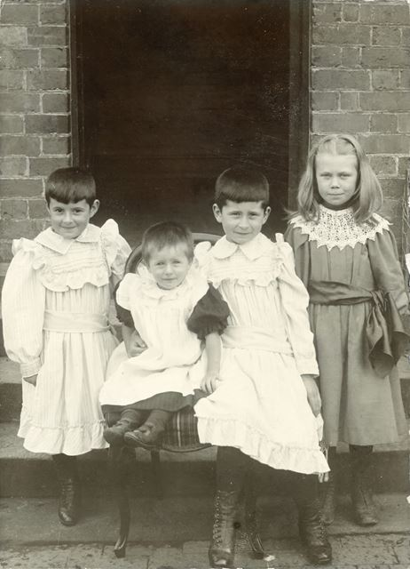 Children of Thomas Land and One Other of Roston, Swinholm Farm, Norbury, c 1900
