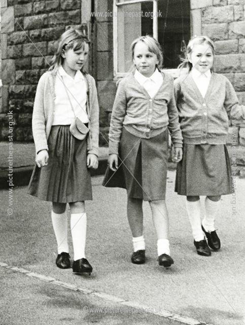 Playtime, Holymoorside School, 1988