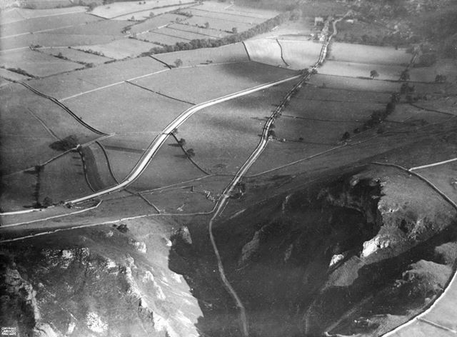 Aerial view of the entrance to Winnats Pass, Castleton, 1924