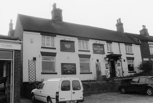 The Red Lion, Linton