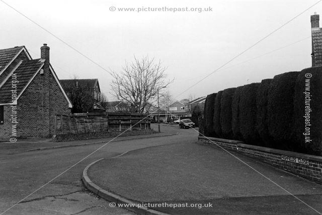 Corner of Highfields Close and Warren Drive, Cauldwell Road, Linton, 2002