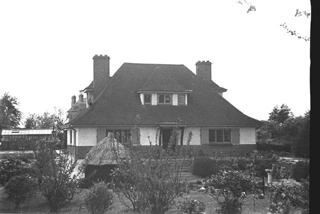 Photograph of a Stanton house with a garden (which overlooks the Nutbrook Valley and Stanton Works)