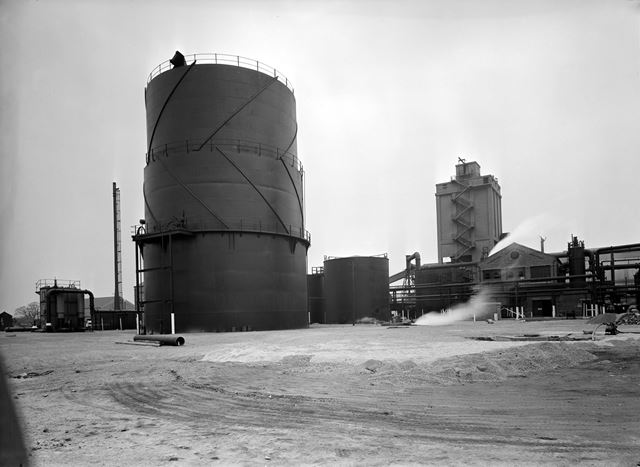 Gasholder and coal bunker at The Coke Oven Plant, Stanton Works