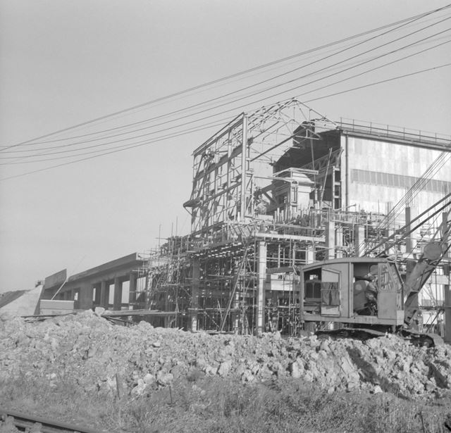 Construction of Ore Preparation Plant - Tippler and railway gantry
