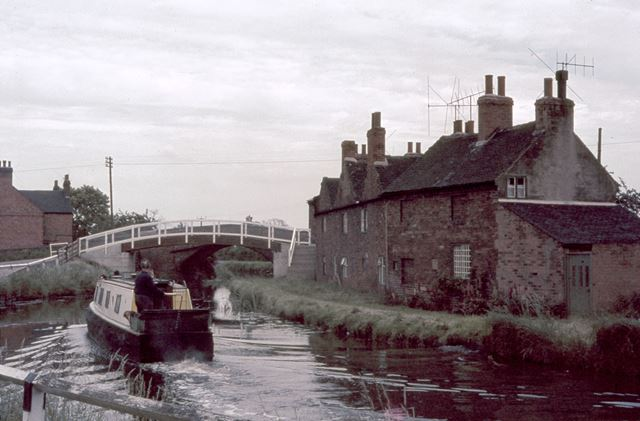 Trent and Mersey Canal, The Wharf, Shardlow, c 2004