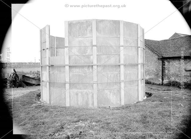 Concrete silo, 1942