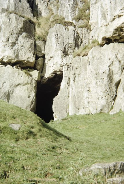 Harborough Rocks, cave