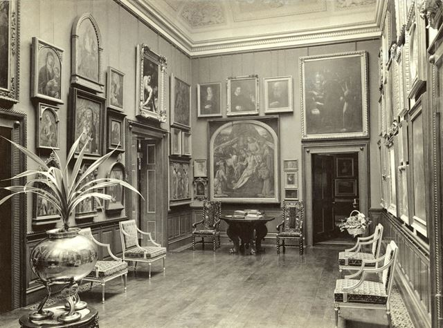 Locko Hall - Picture Gallery
