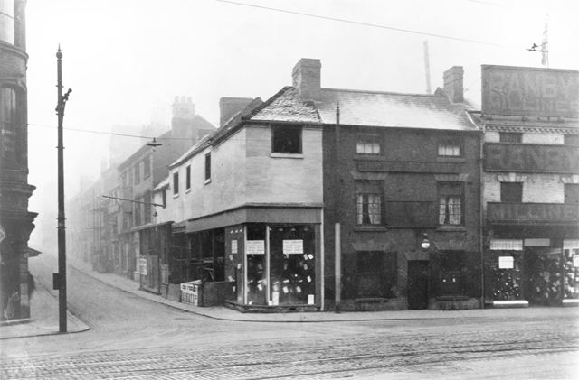 Victoria Street at the junction with Green Lane