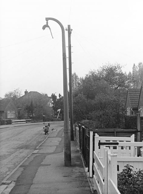 Street lamp outside no. 9, Brooklands Drive (Glyndales)