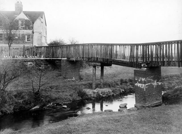 Bridge over the brook near Folly House