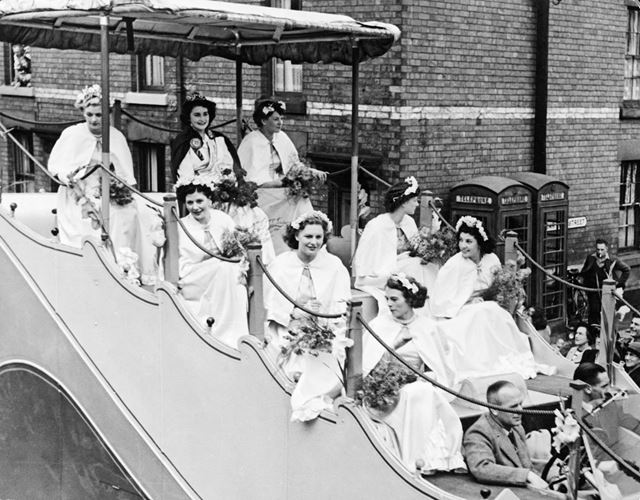 Derby Carnival Queen and Attendants on a float, 1950