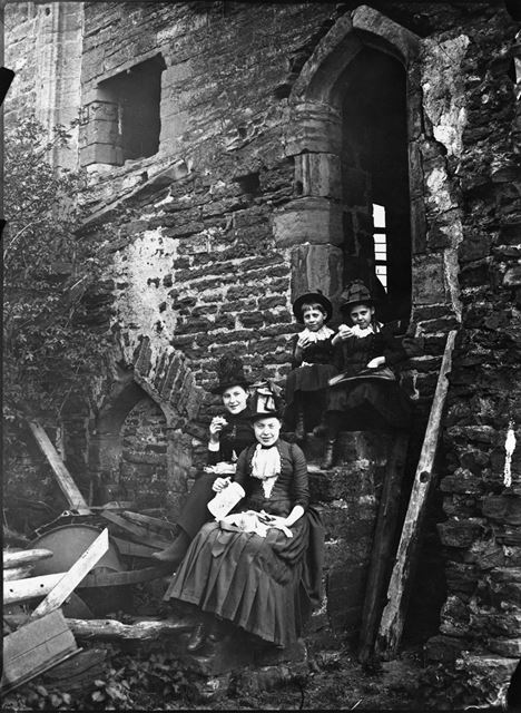 Unknown Portrait of Family Group at Beauvale Priory, Moorgreen, c 1890