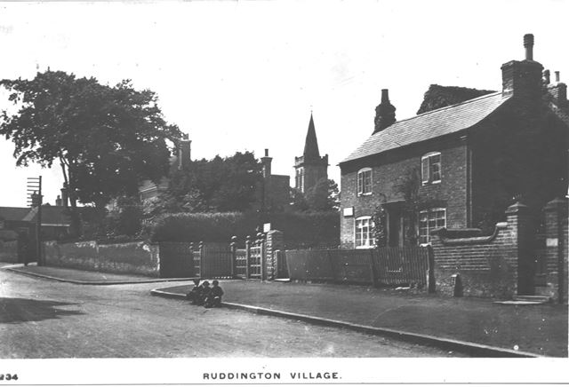 Wilford Road, Ruddington, c 1900s