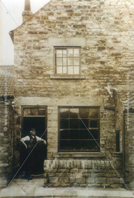 Cobbler's Shop, Hanger Hill, Whitwell, c 1910s