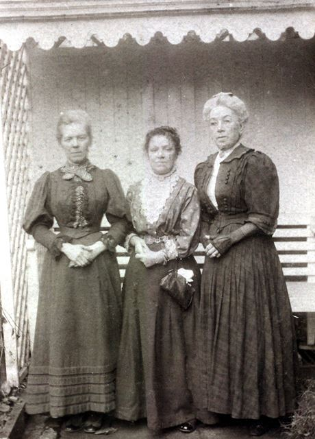 Ellen Quant and Miss Ellis, c 1880 ?