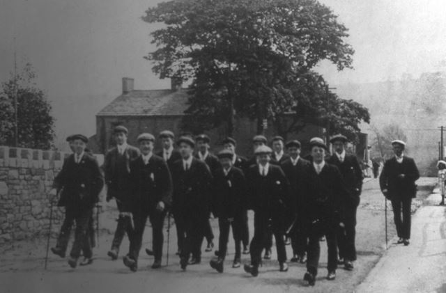 Chinley Lads Club going on a hike, c 1910s