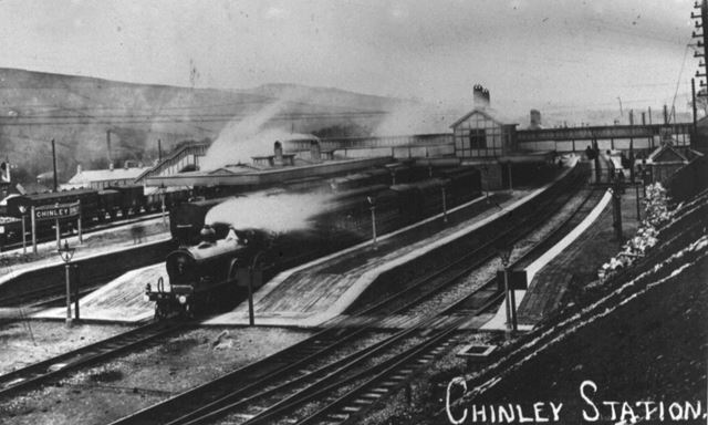 Train in the bay at Chinley Station, c 1900s