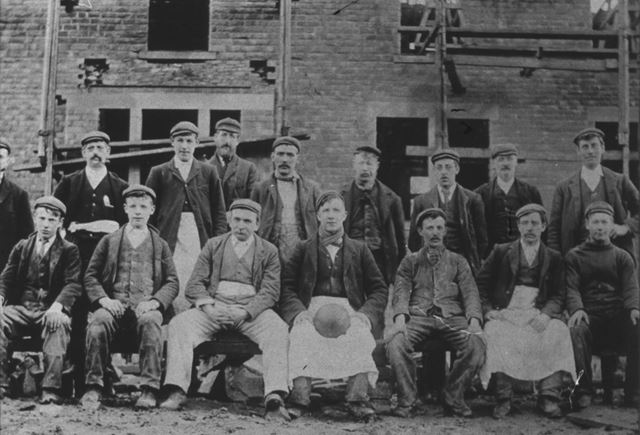 Builders at the Squirrel Inn, Chinley, c 1890s