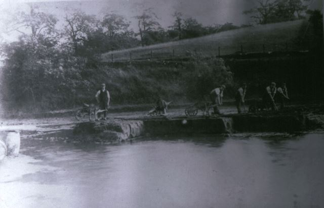 Building the Forge Dam, Whitehough, c 1890s