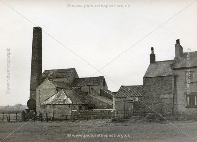 Lime Kiln, Lime Kiln Fields, Hilltop, Bolsover, c 1955