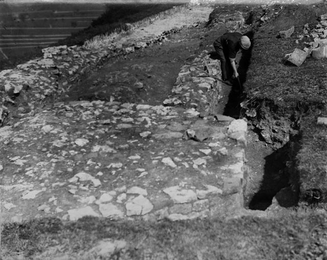 Excavations at Peveril Castle, Castleton, 1936