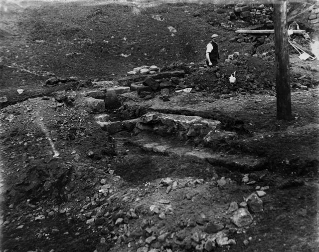Possibly the archaeological excavation at Padley Hall, Upper Padley, 1933 ?