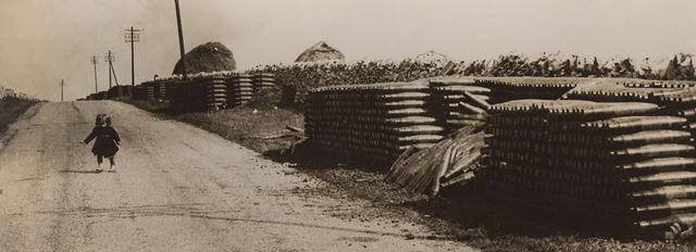 Roadside storage of bombs in the Peak District, 1948 ?