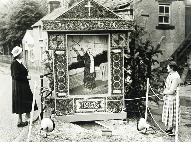 Well Dressing, Church End Well, Bradwell, 1958