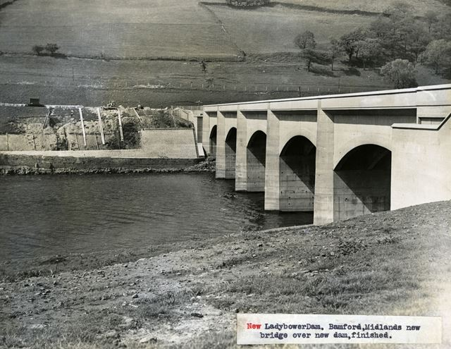 Ladybower Viaduct over Ladybower Reservoir, c 1940s