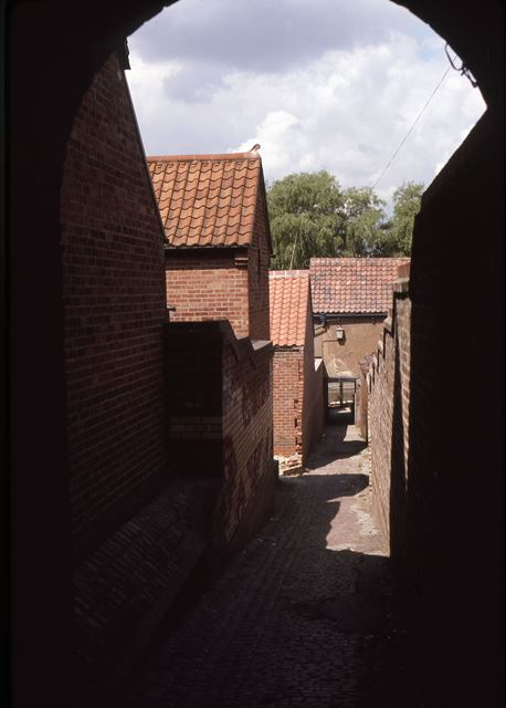 Looking down Alleyway off Mill Gate to Town Lock and River, Newark, 1987