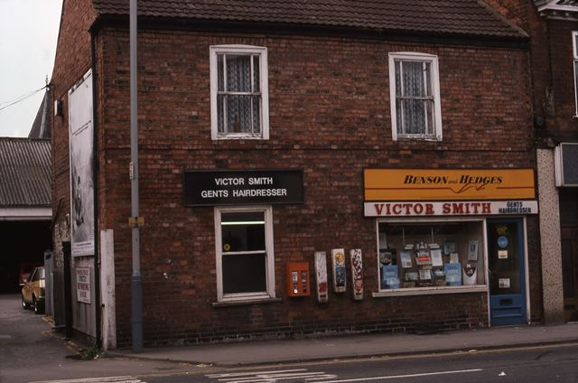 Victor Smith Gents Hairdressers, Beaumond Cross, Newark, 1987