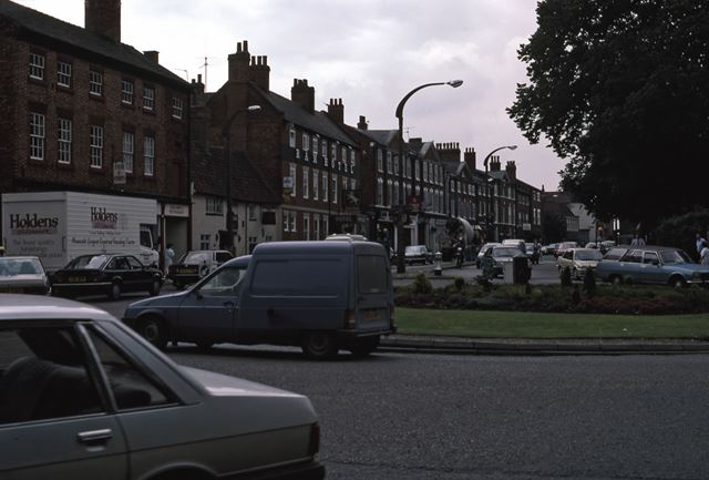 Bar Gate looking Towards Castle Roundabout, Newark, 1987
