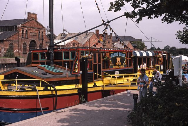 The Castle Barge' Floating Pub on the Trent, Brewer's Wharf, Newark, 1987