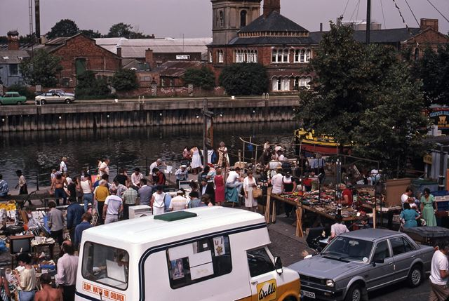 Auctions And Market At Beastmarket Hill Newark 1987