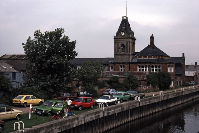 Nicholson's from Trent Bridge, River Trent, Newark 1987