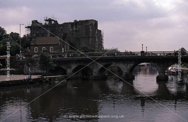 Newark Castle and Trent Bridge, River Trent, Newark, 1987