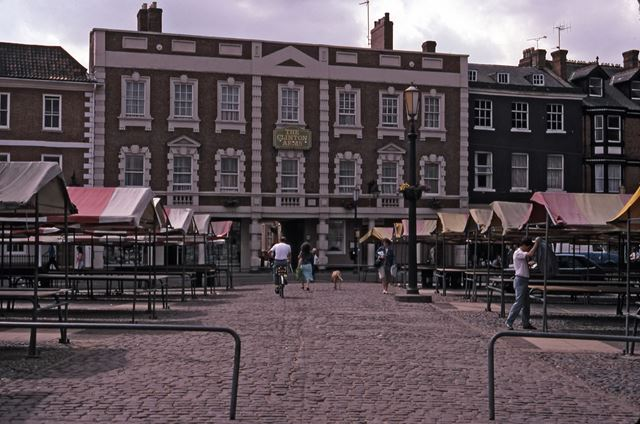 Clinton Arms Hotel, Market Place, Newark on Trent, 1987