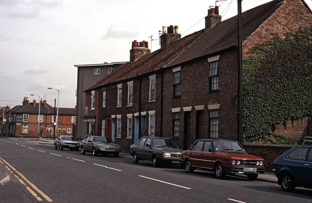 Albert Street Looking Towards Chatham Court, Newark, 1987
