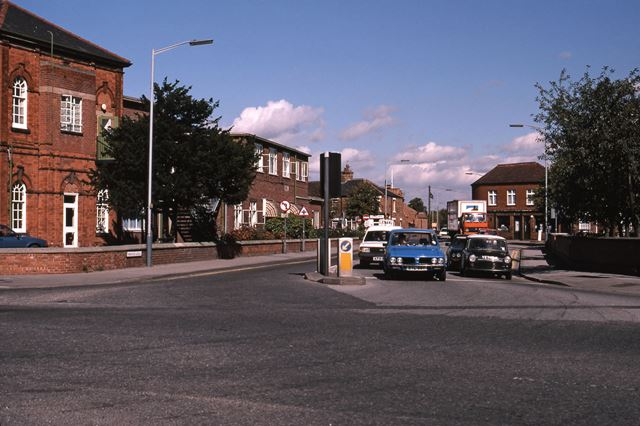Traffic Lights, Newark Hospital, Sherwood Avenue, Newark, 1987